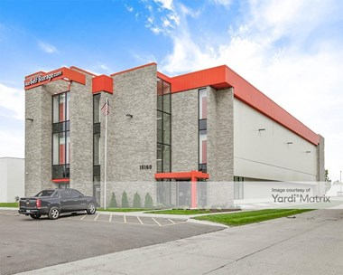 Storage Units for Rent available at 15160 West Eight Mile Road, Oak Park, MI 48237 Photo Gallery 1
