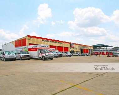 Storage Units for Rent available at 6250 Bristol Pike, Levittown, PA 19057 Photo Gallery 1