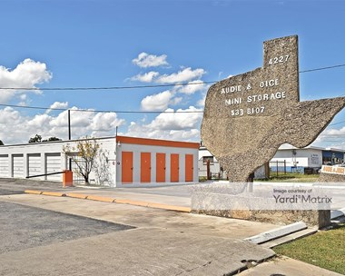 Storage Units for Rent available at 4127 Clark, San Antonio, TX 78223 Photo Gallery 1