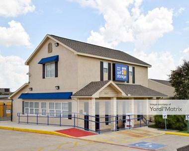 Storage Units for Rent available at 2417 Jackson Keller Road, San Antonio, TX 78230 Photo Gallery 1