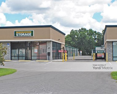 Storage Units for Rent available at 4709 SE 102Nd Place, Belleview, FL 34420 Photo Gallery 1
