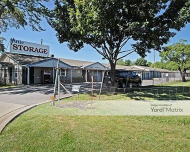 Storage Units for Rent available at 516 NW Dunlap, Lee's Summit, MO 64063 Photo Gallery 1