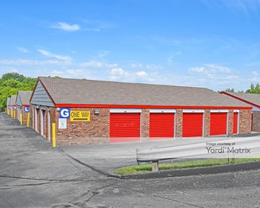 Storage Units for Rent available at 6810 North Oak Trfy, Gladstone, MO 64118 Photo Gallery 1