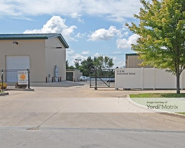 Storage Units for Rent available at 5 SW Industrial Drive, Lees Summit, MO 64081 Photo Gallery 1