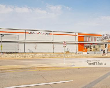 Storage Units for Rent available at 8691 Olive Blvd, St. Louis, MO 63132 Photo Gallery 1