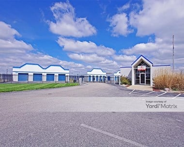 Storage Units for Rent available at 71 Executive Drive, Highland, IL 62249 Photo Gallery 1