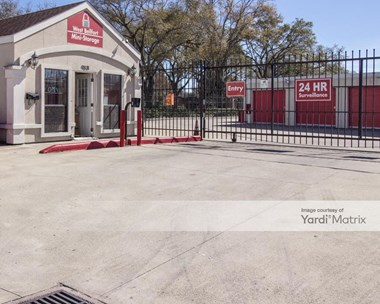 Storage Units for Rent available at 9831 West Bellfort Street, Houston, TX 77031 Photo Gallery 1