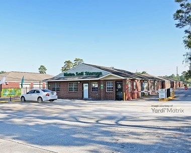 Storage Units for Rent available at 13800 Veterans Memorial Drive, Houston, TX 77014 Photo Gallery 1