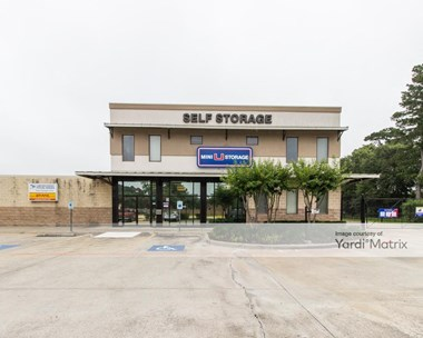 Storage Units for Rent available at 11950 Spring Cypress Road, Tomball, TX 77377 Photo Gallery 1