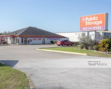 Storage Units for Rent available at 7770 Highway 6 South, Houston, TX 77083 Photo Gallery 1