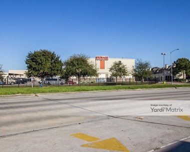 Storage Units for Rent available at 1770 E T C Jester Blvd, Houston, TX 77008 Photo Gallery 1