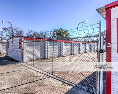 Storage Units for Rent available at 1715 Airline Drive, Houston, TX 77009 Photo Gallery 1