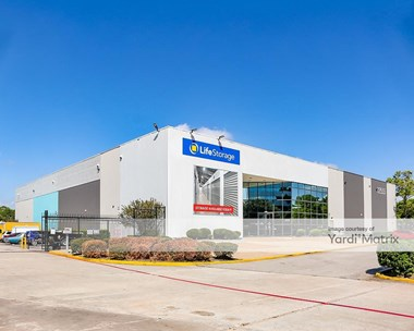 Storage Units for Rent available at 12555 Northborough Drive, Houston, TX 77067 Photo Gallery 1