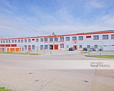 Storage Units for Rent available at 4677 Lansdowne Avenue, St. Louis, MO 63116 Photo Gallery 1