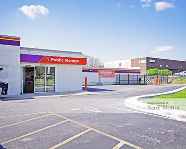 Storage Units for Rent available at 11575 New Halls Ferry Road, Florissant, MO 63033 Photo Gallery 1