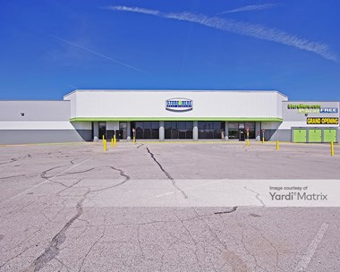 Storage Units for Rent available at 8319 Jennings Road, Jennings, MO 63136 Photo Gallery 1