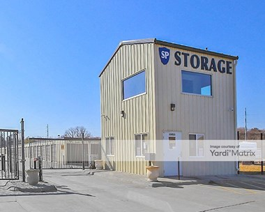 Storage Units for Rent available at 15815 Pacific Street, Omaha, NE 68118 Photo Gallery 1