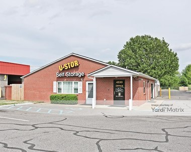 Storage Units for Rent available at 4530 Millbranch Road, Memphis, TN 38116 Photo Gallery 1