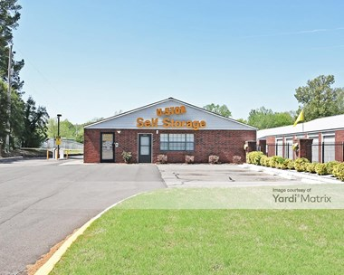 Storage Units for Rent available at 5570 Summer Avenue, Memphis, TN 38123 Photo Gallery 1