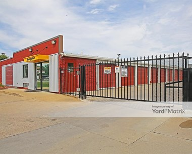 Storage Units for Rent available at 4043 East 14th Street, Des Moines, IA 50313 Photo Gallery 1
