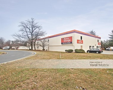 Storage Units for Rent available at 289 Old Post Road, Edison, NJ 08817 Photo Gallery 1