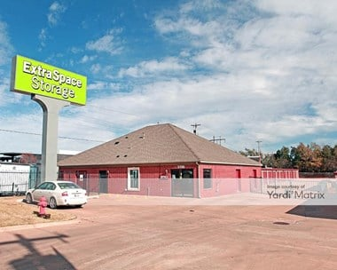 Storage Units for Rent available at 5700 North Classen Blvd, Oklahoma City, OK 73118 Photo Gallery 1