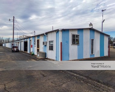 Storage Units for Rent available at 14675 South Coltrane Drive, Edmond, OK 73034 Photo Gallery 1