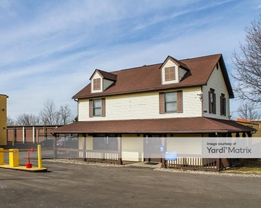 Storage Units for Rent available at 1827 Haggerty Road, Commerce Twp, MI 48390 Photo Gallery 1