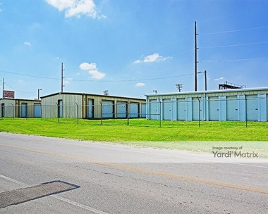 Storage Units for Rent available at 157 East Center Street, London, OH 43140 Photo Gallery 1