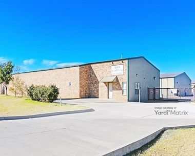 Storage Units for Rent available at 10701 NW 23Rd Street, Yukon, OK 73099 Photo Gallery 1