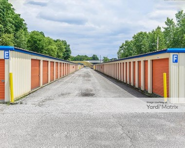 Storage Units for Rent available at 8000 Stearns Road, Olmsted Falls, OH 44138 Photo Gallery 1