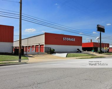 Storage Units for Rent available at 23640 Lakeland Blvd, Euclid, OH 44132 Photo Gallery 1