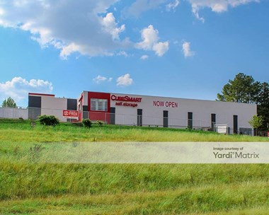 Storage Units for Rent available at 5600 Oporto Madrid Blvd, Birmingham, AL 35210 Photo Gallery 1