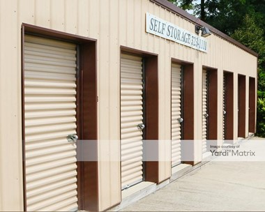 Storage Units for Rent available at 2437 South Walnut Street, Bloomington, IN 47401 Photo Gallery 1