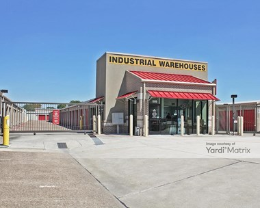 Storage Units for Rent available at 1919 East Broadway, Pearland, TX 77581 Photo Gallery 1