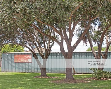 Storage Units for Rent available at 105 East Hospital Drive, Angleton, TX 77515 Photo Gallery 1