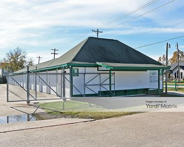 Storage Units for Rent available at 2305 Caroline Street, Dickinson, TX 77539 Photo Gallery 1