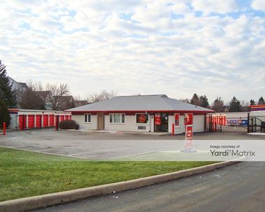 Storage Units for Rent available at 1000 West Lake Street, Hanover Park, IL 60133 Photo Gallery 1
