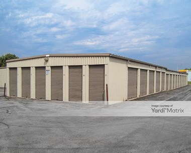 Storage Units for Rent available at 1420 Dekalb Avenue, Sycamore, IL 60178 Photo Gallery 1