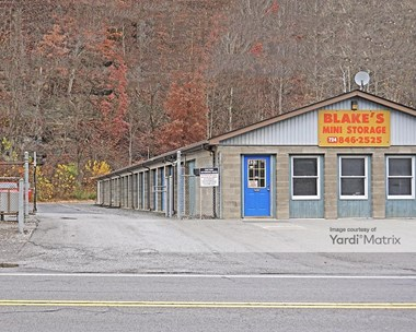 Storage Units for Rent available at 433 Constitution Blvd, New Brighton, PA 15066 Photo Gallery 1