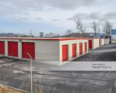 Storage Units for Rent available at 4318 Middlebrook Pike, Knoxville, TN 37921 Photo Gallery 1