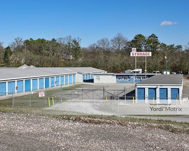 Storage Units for Rent available at 2900 Alcoa Hwy, Knoxville, TN 37920 Photo Gallery 1