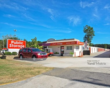 Storage Units for Rent available at 6654 Dorchester Road, Charleston, SC 29418 Photo Gallery 1