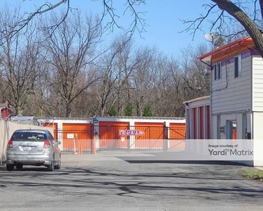 Storage Units for Rent available at 28w650 Roosevelt Road, Winfield, IL 60190 Photo Gallery 1