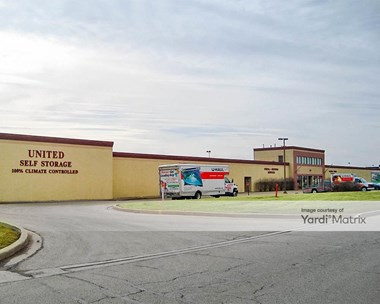Storage Units for Rent available at 21005 Division Street, Crest Hill, IL 60403 Photo Gallery 1