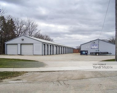 Storage Units for Rent available at 24727 Roberts Road, Channahon, IL 60410 Photo Gallery 1