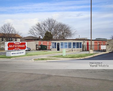 Storage Units for Rent available at 15821 Arroyo Drive, Oak Forest, IL 60452 Photo Gallery 1