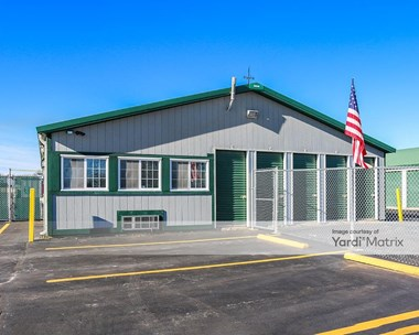 Storage Units for Rent available at 39406 North Lewis Avenue, Beach Park, IL 60099 Photo Gallery 1