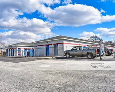 Storage Units for Rent available at 500 East Ridge Road, Griffith, IN 46319 Photo Gallery 1