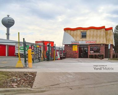 Storage Units for Rent available at 2475 Pembroke Avenue, Hoffman Estates, IL 60195 Photo Gallery 1